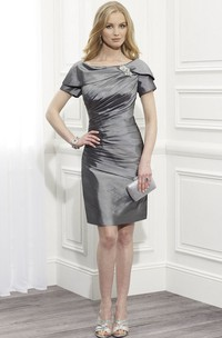 Knee-Length Bateau Neck Ruched Short Sleeve Satin Mother Of The Bride Dress With Broach