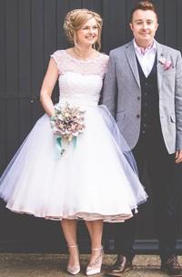 1950s A-Line Cap Sleeve Tea-Length Tulle Lace Wedding Dress