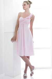 Knee-Length Criss-Cross Sleeveless One-Shoulder Chiffon Bridesmaid Dress