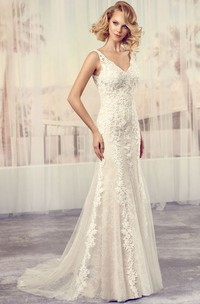 V-Neck Floor-Length Appliqued Lace Wedding Dress With Court Train And V Back