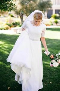 A Line Scalloped Chiffon Lace Zipper Wedding Gown